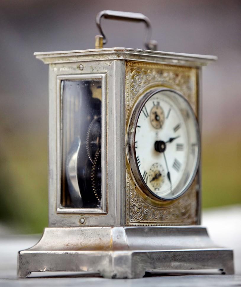 baf9f36a1 Старинные немецкие каретные часы будильник Junghans с музыкой - Старинные  немецкие каретные часы Junghans с музыкой